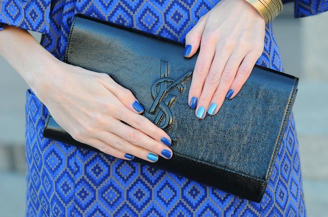 Под синие платье какой маникюр